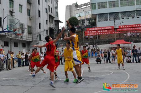 贵州省锦屏中学团结拼搏 奋力争先 摘取冠军 彰显精神